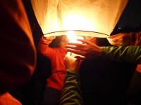 Fotky: Vypouštění lampiónů