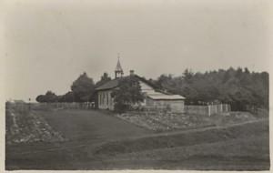 Domek pro hrobníka na hřbitově