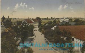 Pohled na budovu fary a školy (str. 8)