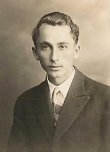 Eduard Golka v r. 1935 [str. 208 – 221]