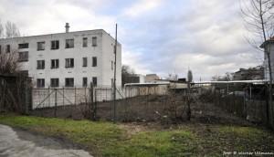 Místo, kde stála původní dřevěná oddílová klubovna z roku 1948...
