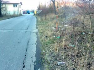 Odpad v okolí ulice U Řeky