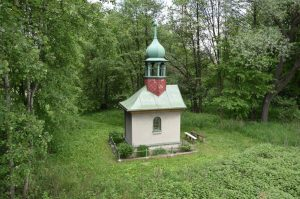 Kaplička v Mitrovicích, jak ji zachytil Petr Žižka v roce 2016