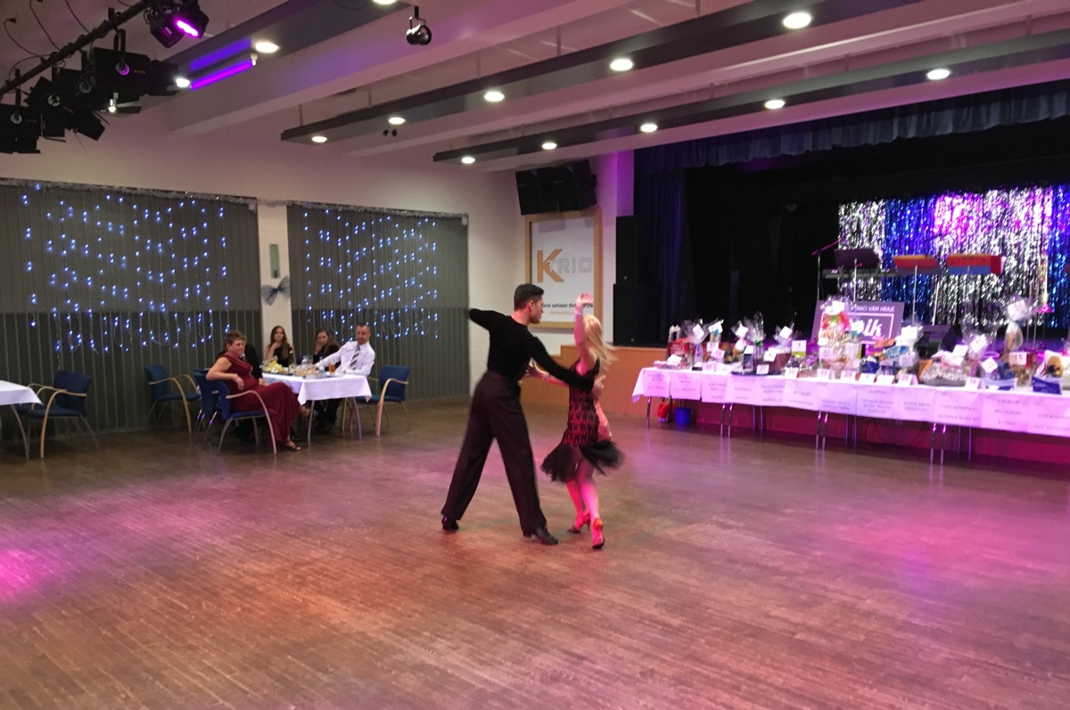 Na obecní ples zbývá posledních několik vstupenek