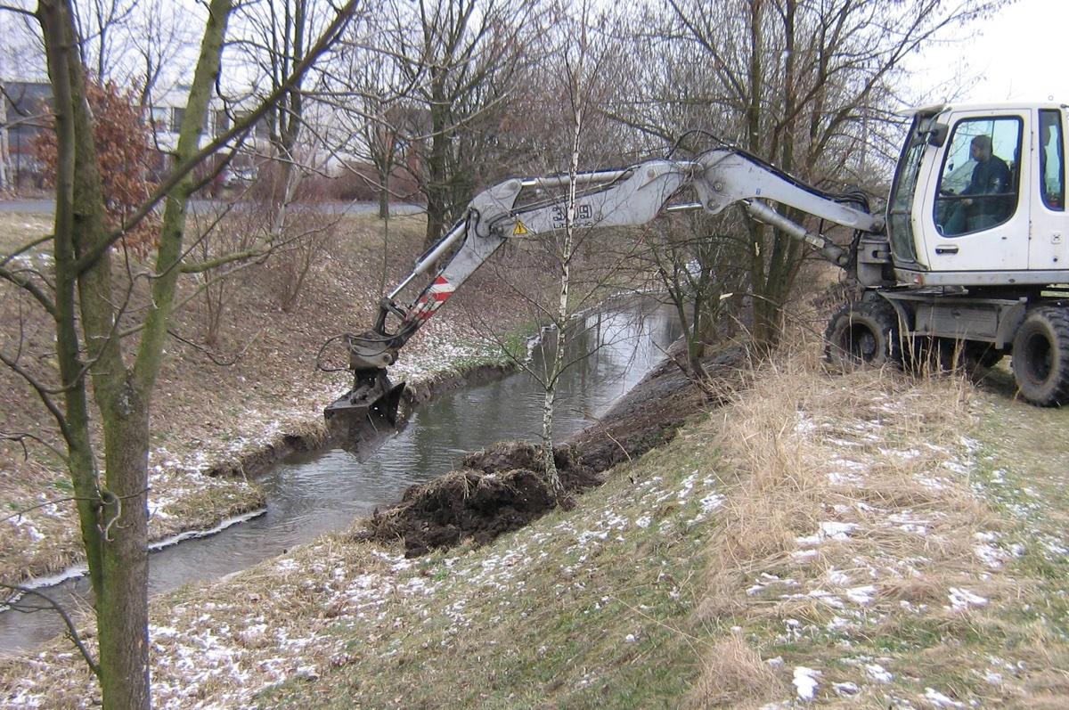 Povodí Odry začalo čistit břehy potoka Ščučí
