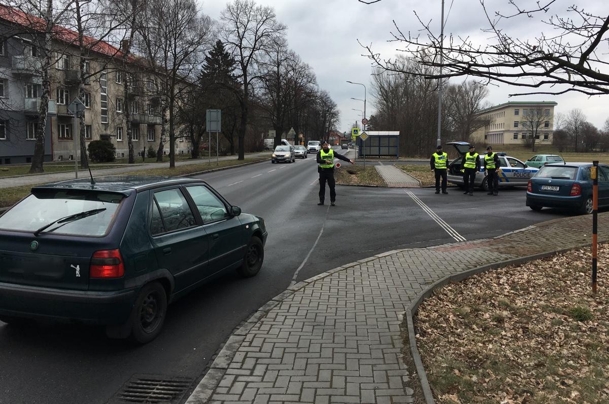 """Městská policie údajně přestala """"hlídat"""" na Paskovské ulici"""