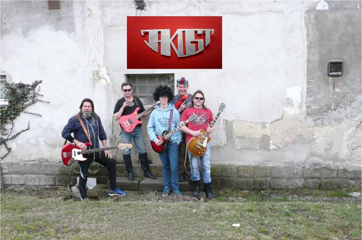 Kapela JAKOST zve na festival Hrabovská hudební zastávka