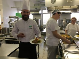 (FOTO) Překvapení školní jídelny