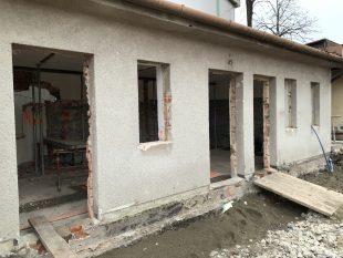 (FOTO) Rekonstrukce toalet vareálu TJ Sokol Hrabová