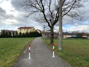 Zneprůjezdnění ulice Bažanova směrem od/ke hřbitovu