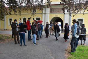 (FOTO) Dobrovolní hasiči zHrabové navštívili zámek vPaskově