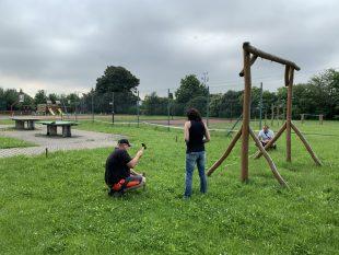 (FOTO) Za školou se staví venkovní přírodní učebna pro badatelskou výuku