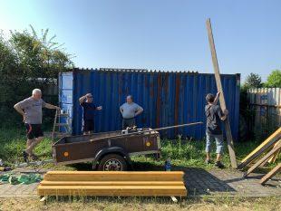 (FOTO) Hasiči zkrášlili svůj kontejnér za školou