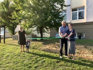 (FOTO) Škola vOstravě-Hrabové má novou školní zahradu