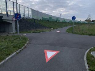 Úřad vyřešil další podnět: Nebezpečná křižovatka vpodjezdu pod Mostní