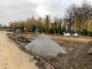 (FOTO) První etapa rozšíření hřbitova by měla být hotova na jaře