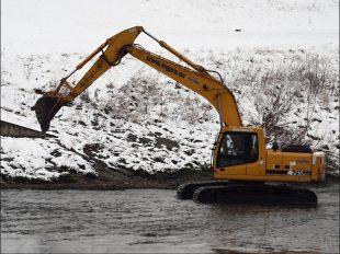 (FOTO) Odstranění ostrůvku na řece Ostravici