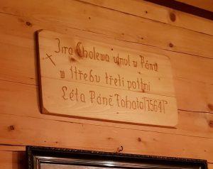 Replika historického nápisu z roku 1564.