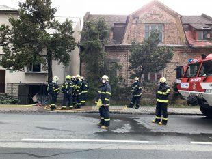 (FOTO) Požár vrodinném domě na Paskovské ulici