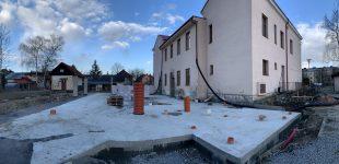 (FOTO) Stavba školky akulturního sálu 03-04/2021