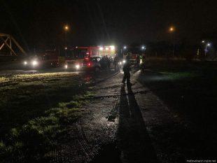 (FOTO) Dobrovolní hasiči zHrabové pomáhali svytažením zapadlého SUV