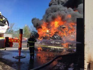 (FOTO) Ředitel hasičského záchranného sboru kraje poděkoval našim hasičům