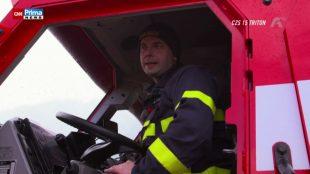 (VIDEO) Hasič zHrabové vpořadu Autosalon
