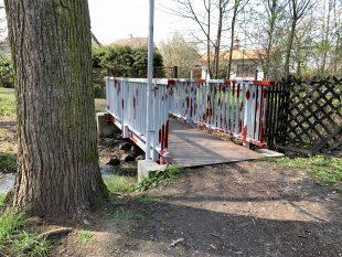 (FOTO) Pracovníci Ostravských komunikací ošetřili vHrabové několik mostů