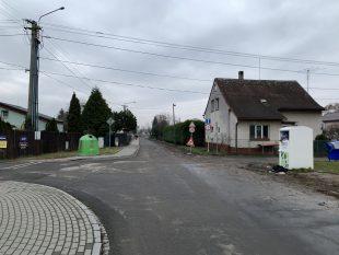 ČEZ konečně opravil rozkopaný povrch vozovky ulice Jezdiště