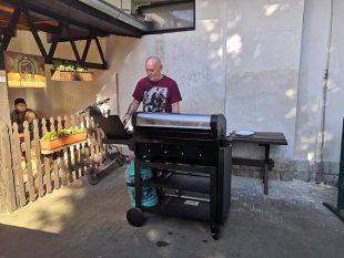 Restaurace Ve Dvoře: Další grilování vpátek od 16.hod.