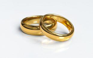 V areálu TJ Sokol se našel zlatý (snubní) prstýnek
